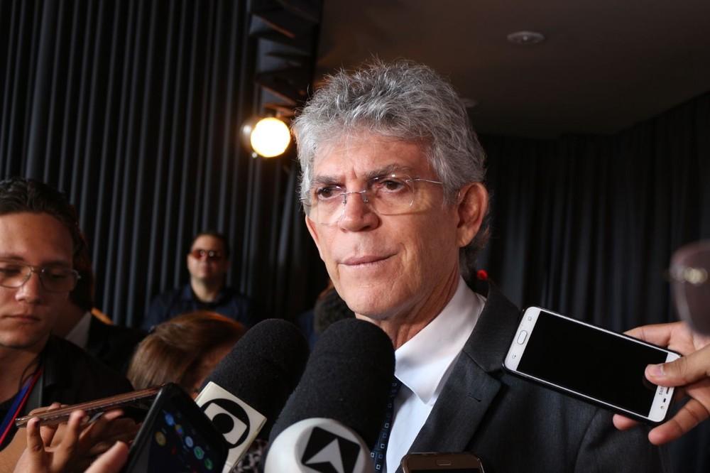 Ricardo lança editais para melhorias na UEPB e incentivo à pesquisa científica na PB