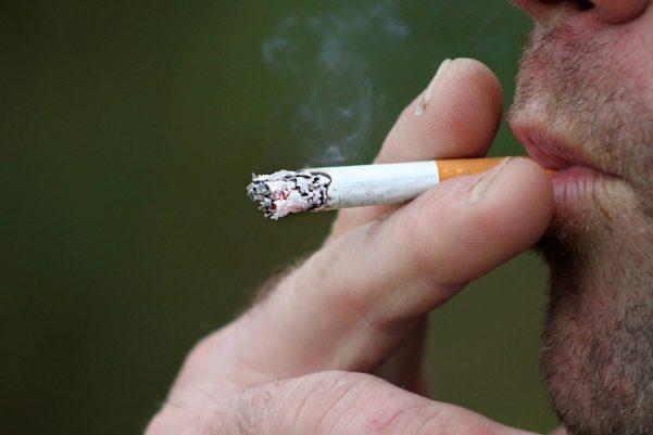 Por quê as pessoas fumam?