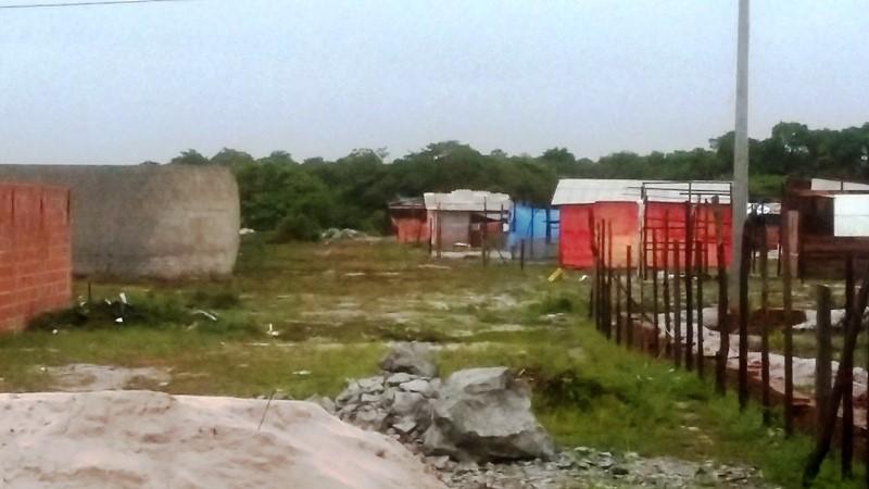 Famílias de Sem Teto invadem terreno da Prefeitura de Cabedelo