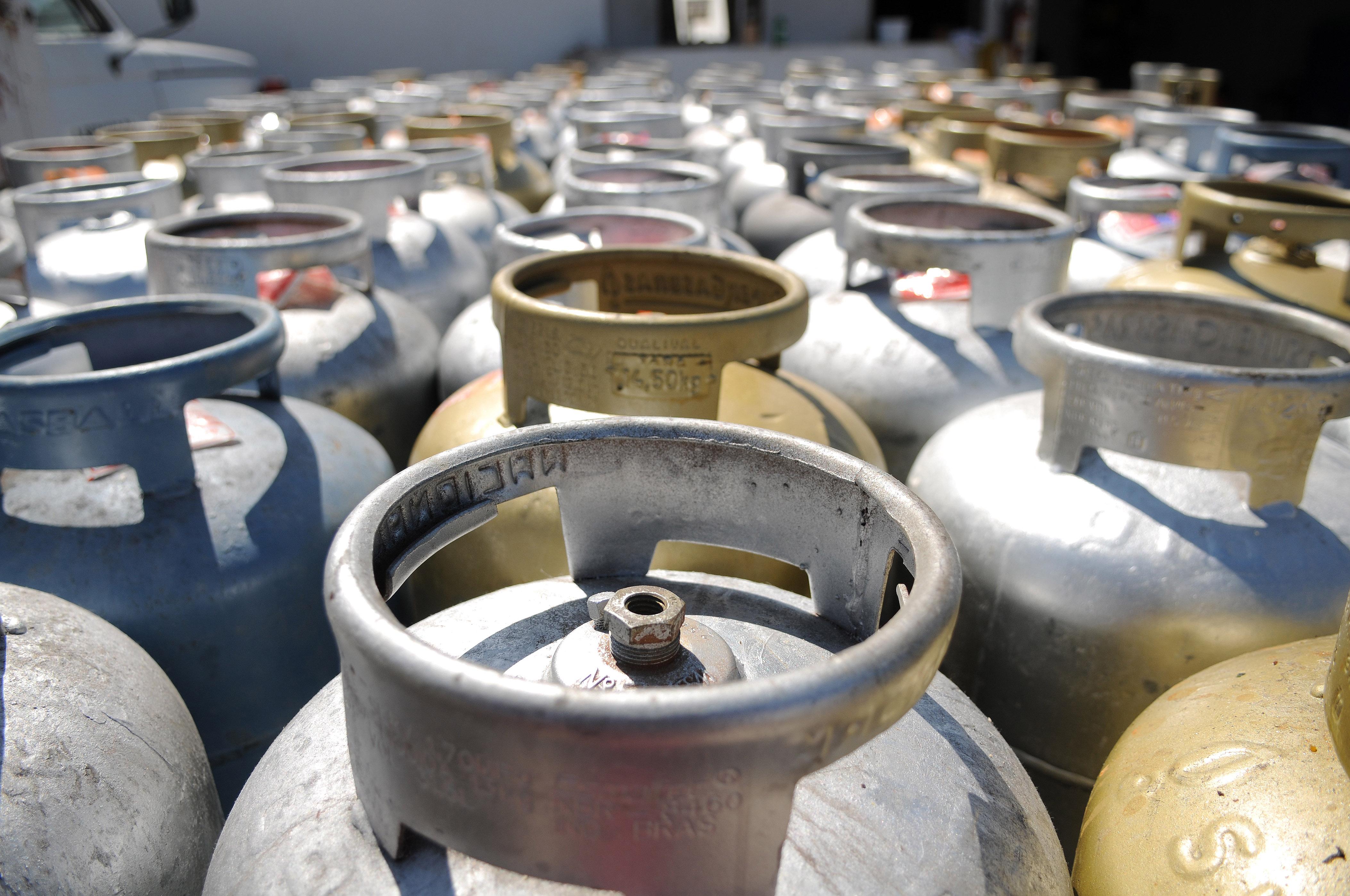 Com fim de greve de caminhoneiros em Suape, gás deve chegar hoje à PB