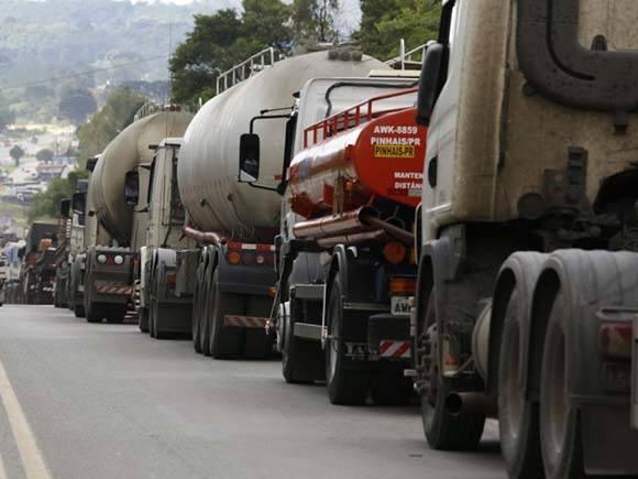 Sindicatos e entidades populares convocam ato em Cabedelo em apoio a caminhoneiros