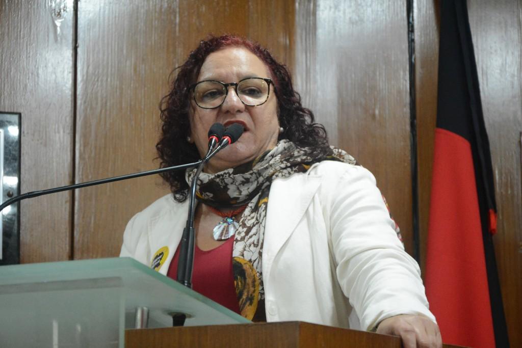 Sandra Marrocos vai pedir revogação do Título de Cidadão Pessoense de Bolsonaro