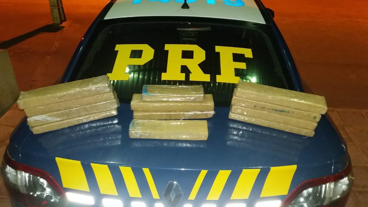 PRF prende homem com 13 kg de maconha em carro Uber, na Paraíba