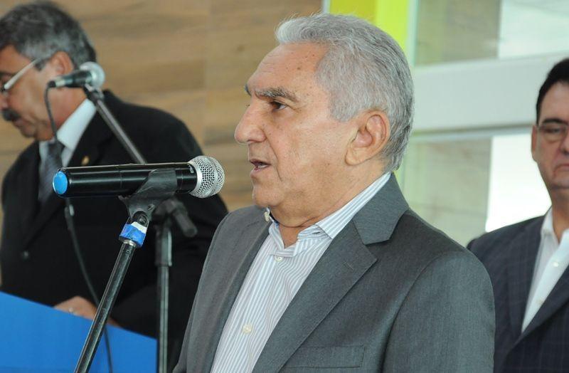 Sob pressão, prefeito de Patos, Bonifácio Rocha, renuncia; leia carta