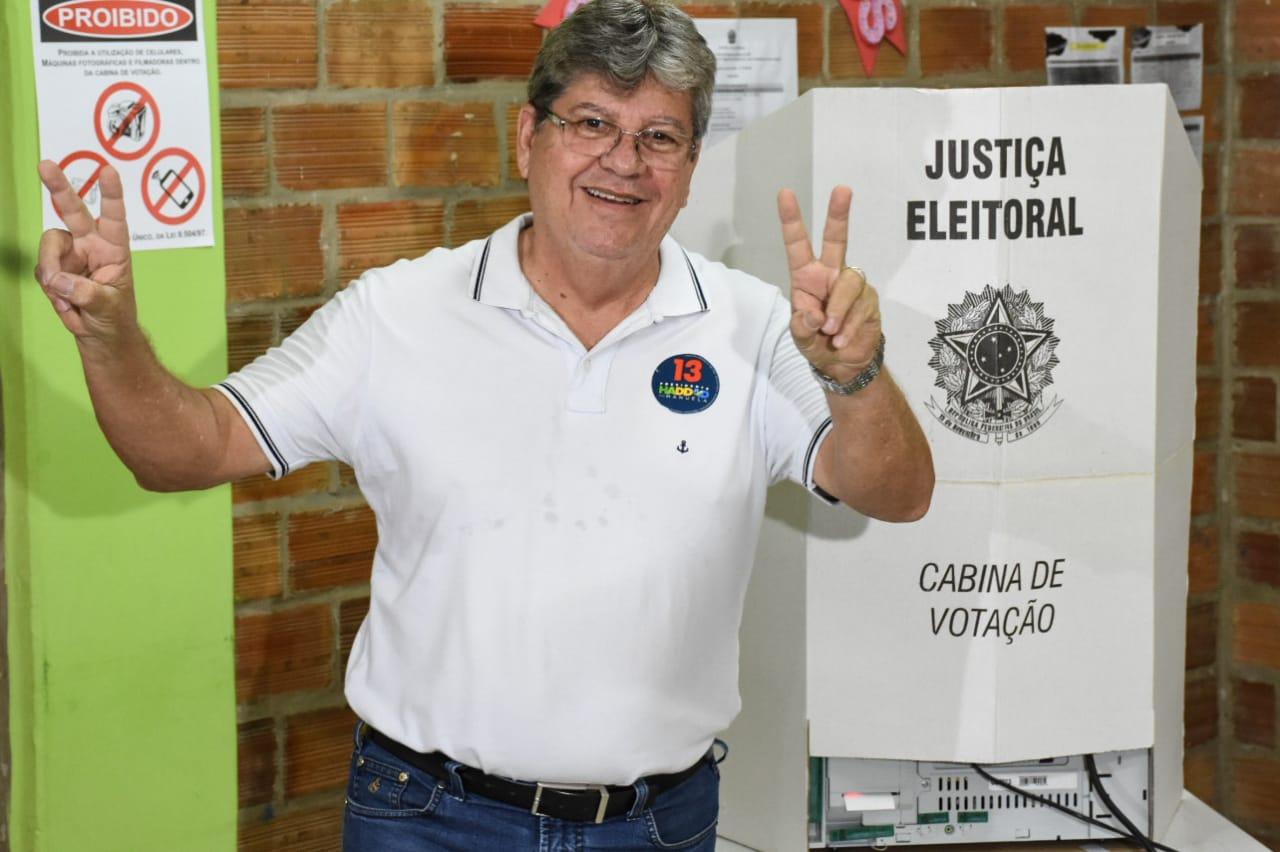 Depois de votar, João Azevedo diz esperar boa relação com novo presidente
