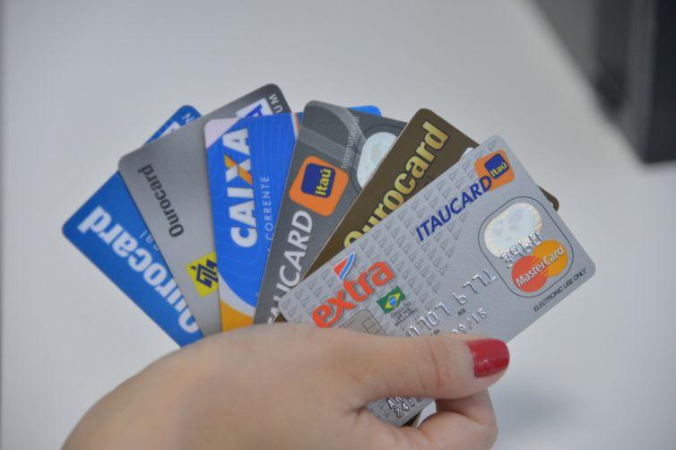 PF e Correios fazem levantamento do número de pessoas prejudicadas com desvio de cartões de crédito