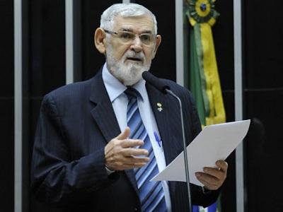 Luiz Couto avalia lutas e problemas enfrentados pelos negros brasileiros