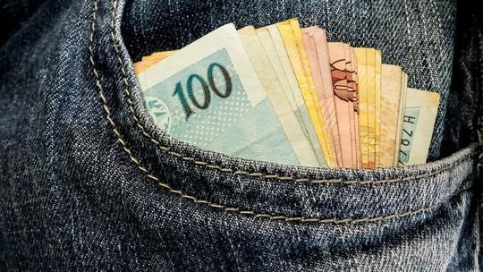 Homem suspeito de roubar R$ 20 mil da esposa é preso na Capital