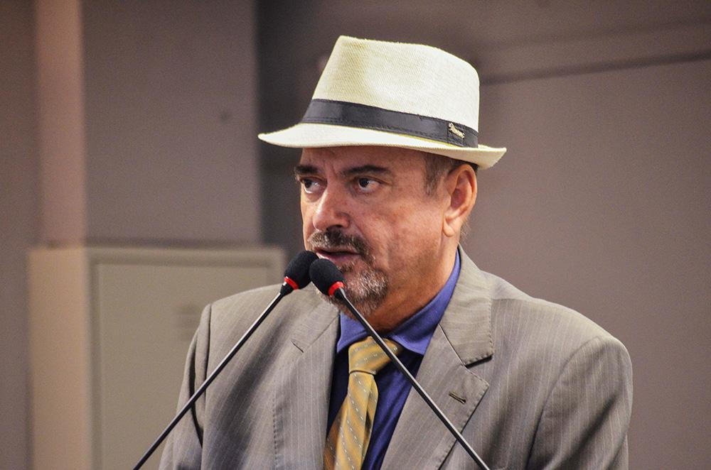 Jeová pede que Cagepa e Infraestrutura elaborem projeto de abastecimento para Divinópolis