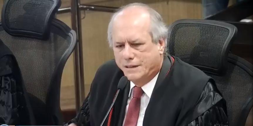 Decisão da Justiça garante permanência de Carlos André na presidência da Câmara do Conde