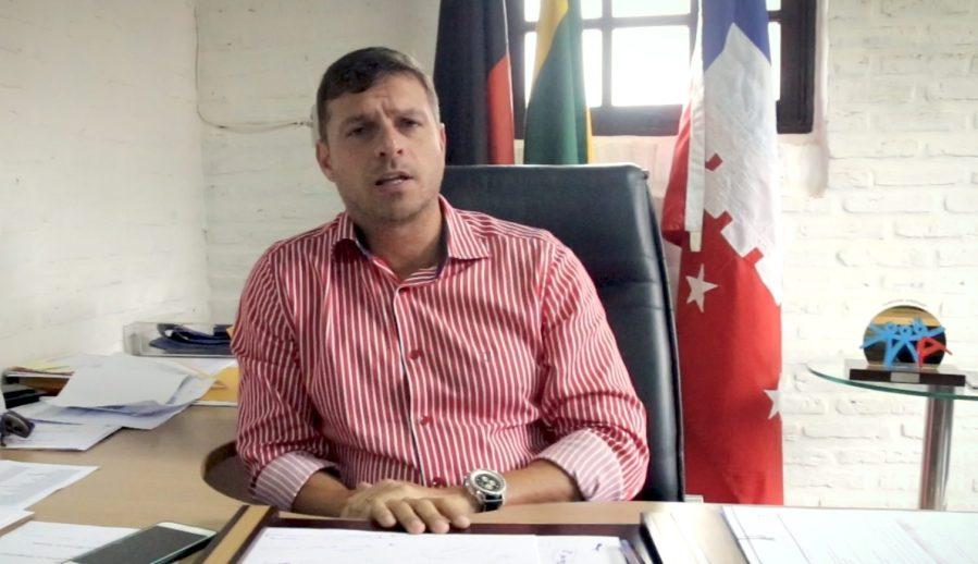 """Victor Hugo acusa Geusa e Eudes de terem dado """"golpe"""" em votação na Câmara"""