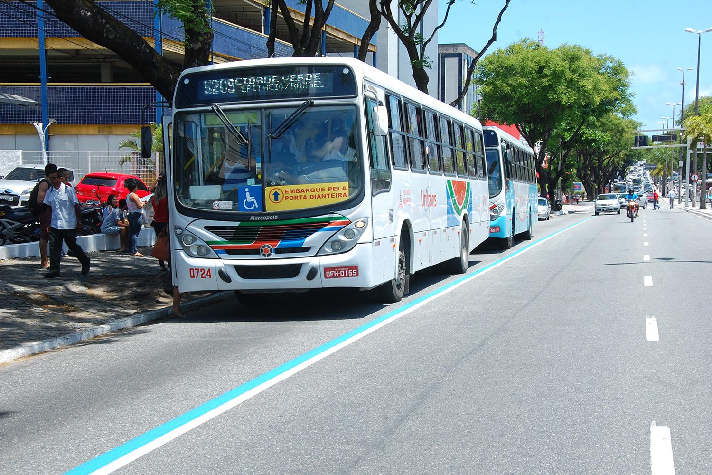 """Motoristas prometem parar ônibus de João Pessoa às 9h desta segunda: """"Sistema quebrou"""""""