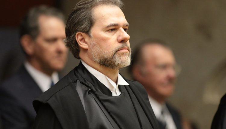Após aval tardio do STF, Lula decide não encontrar familiares em São Paulo