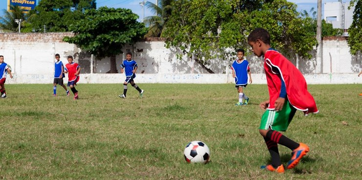 Escolinha de futebol da Prefeitura inscreve novos alunos em Santa Rita