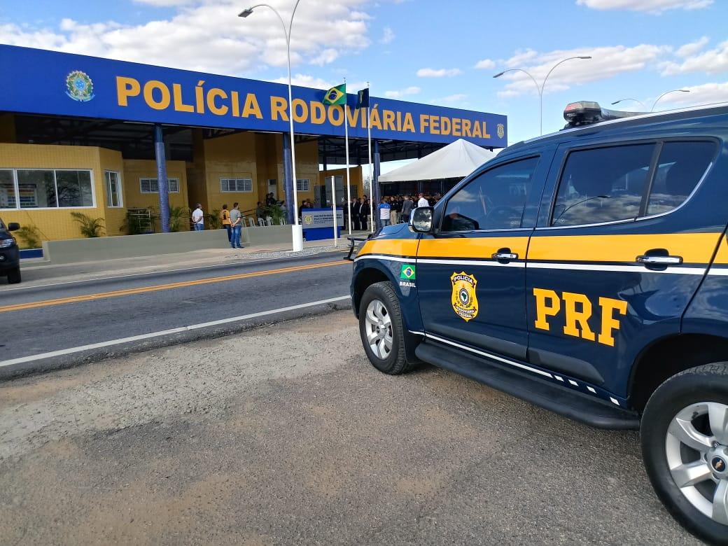 Motociclista morre após bater em ônibus da banda Aviões do Forró, na Paraíba