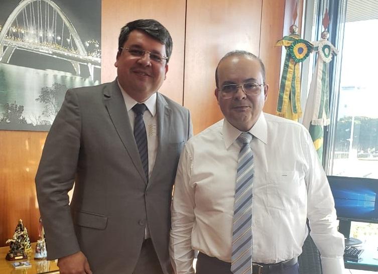 Advogado paraibano toma posse na maior empresa pública do governo do Distrito Federal