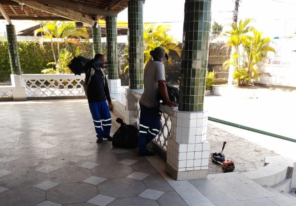 Clube nega uso da máquina pública para limpeza em local da convenção de Vitor Hugo