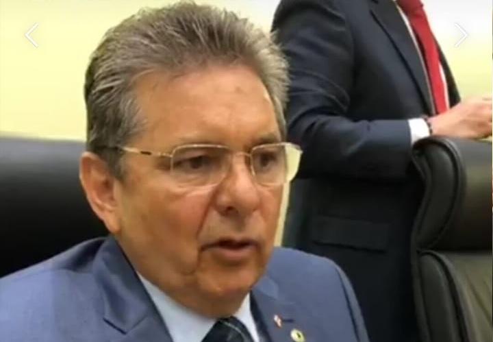 Presidente da Assembleia tacha de atrevida proposta de Bolsonaro para reduzir municípios