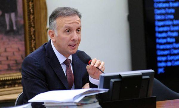 Aguinaldo Ribeiro é oficializado líder da maioria na Câmara Federal
