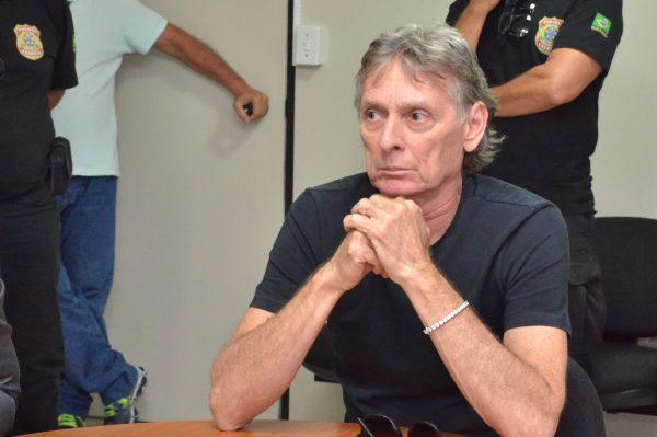 Justiça nega Habeas Corpus e mantém Roberto Santiago na prisão