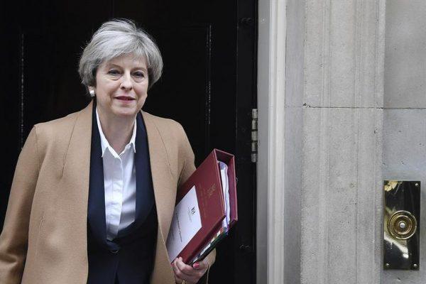 Fracassa manobra de May para aprovar Brexit no Parlamento britânico