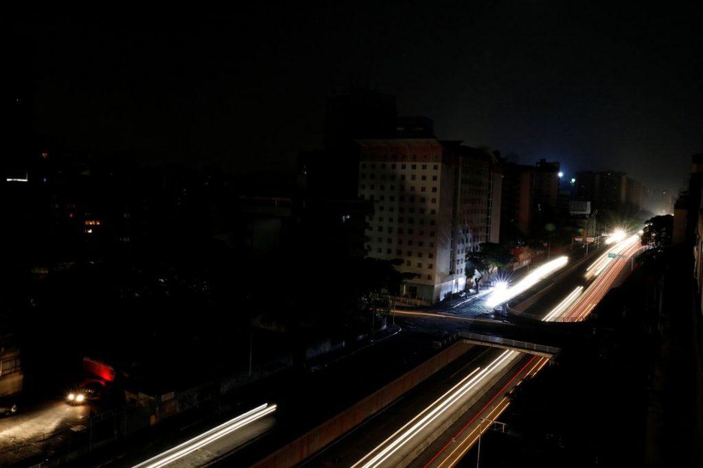 Pelo menos 17 pacientes morreram devido a apagão na Venezuela