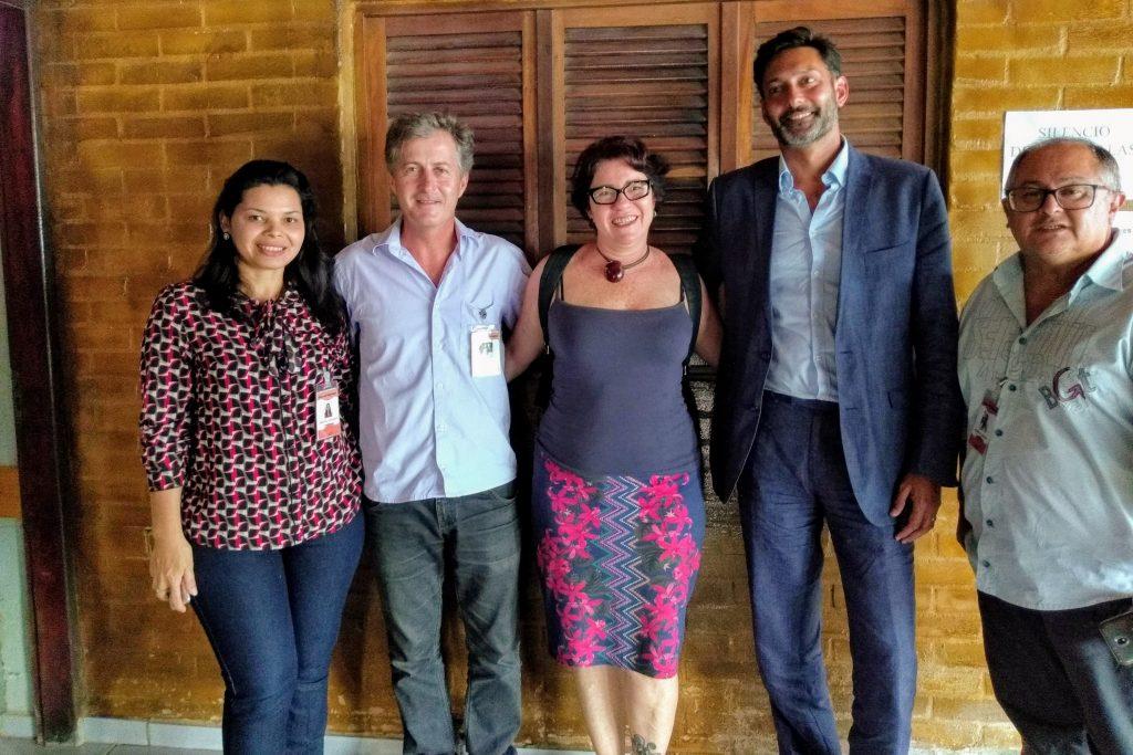 Prefeita de Conde mantém apoio a venezuelanos em encontro com embaixador do Reino Unido