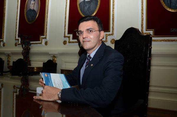 Juiz paraibano lança livro sobre cultura do encarceramento
