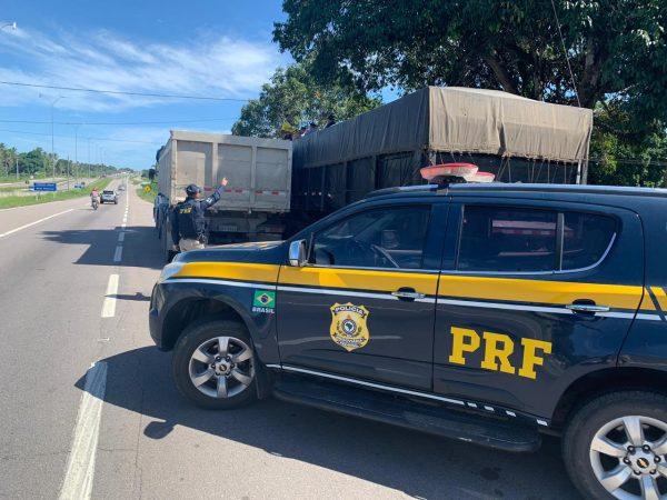 PRF flagra 33,5 toneladas de excesso de peso em caminhão; veículo foi multado em mais de R$ 25 mil
