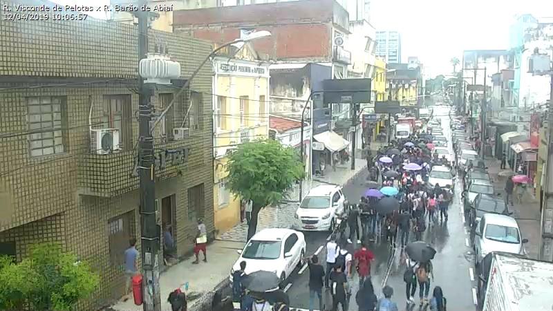 Estudantes fazem manifestação nas ruas do Centro de João Pessoa