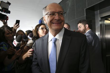 Após reunião com Bolsonaro, PSDB e PSD declaram apoio à reforma da Previdência