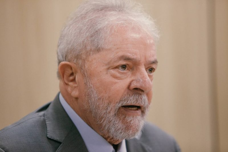 """Lula: """"Fico preso cem anos. Mas não troco minha dignidade pela minha liberdade"""". Veja trecho"""