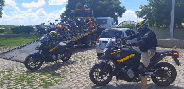 PRF apreende 35 motocicletas durante operação no Sertão da PB