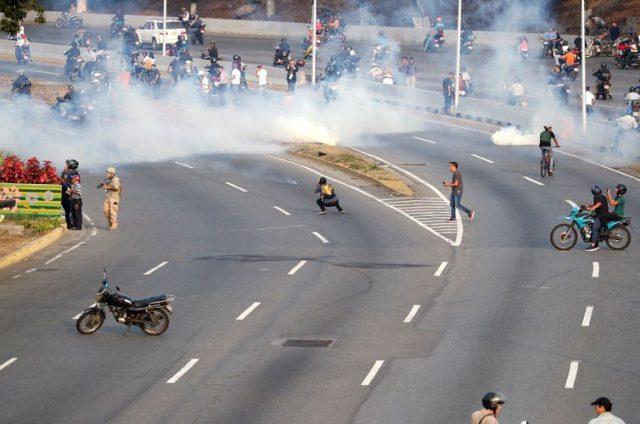 OEA: secretário-geral diz que apoia adesão de militares contra Maduro