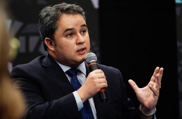 "Coordenador da bancada da PB afirma que PEC para extinguir municípios ""nasceu morta"""
