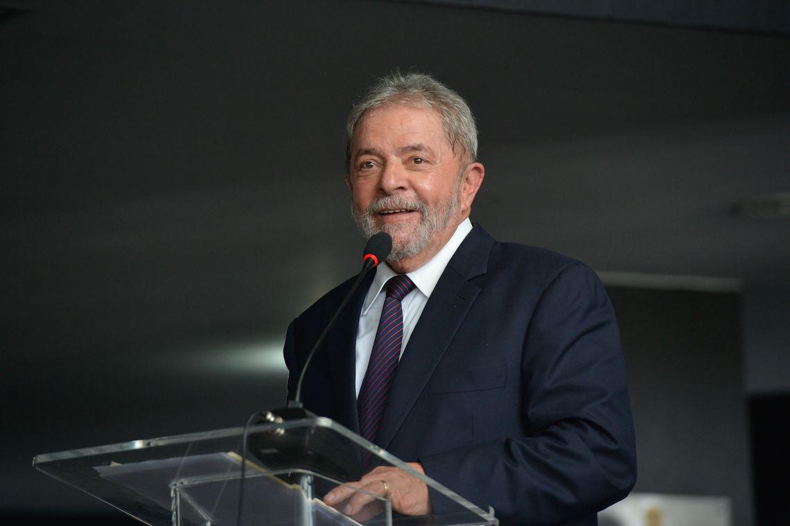 Plenário do STF suspende transferência de Lula para presídio de SP