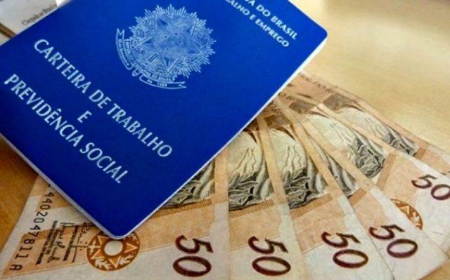 Congresso aprova mínimo de R$ 1.040, sem aumento real
