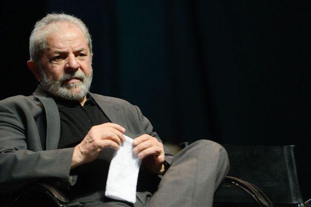 Lula pede ao STJ para cumprir pena em regime aberto