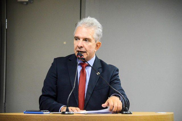 Nabor repudia corte das verbas das Universidades e IFs da Paraíba