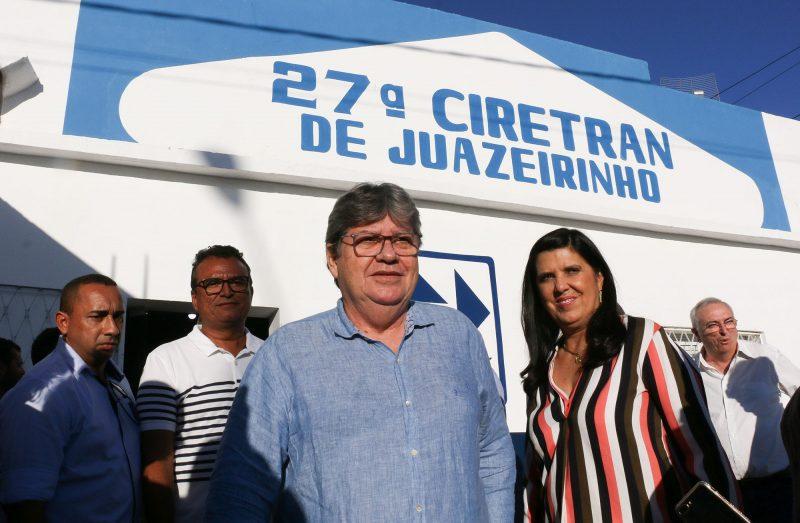 João Azevêdo entrega Ciretran, sistema de dessalinização e autoriza esgotamento em Juazeirinho