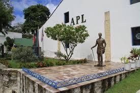 Roberto Cavalcanti, Ney Suassuna e Germano Romero disputam cadeira na APL