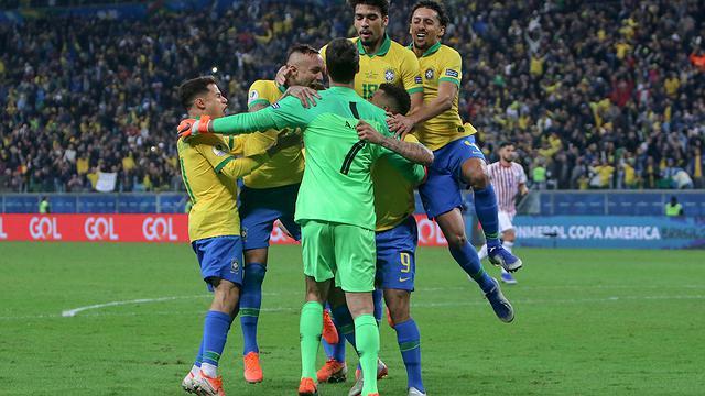 Brasil vence Paraguai nos pênaltis e vai à semi-final da Copa América