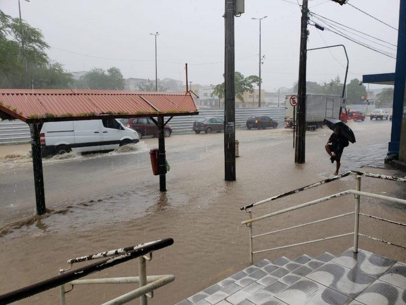 Defesa Civil recebe alerta e previsão é de mais chuvas nas próximas horas na capital paraibana