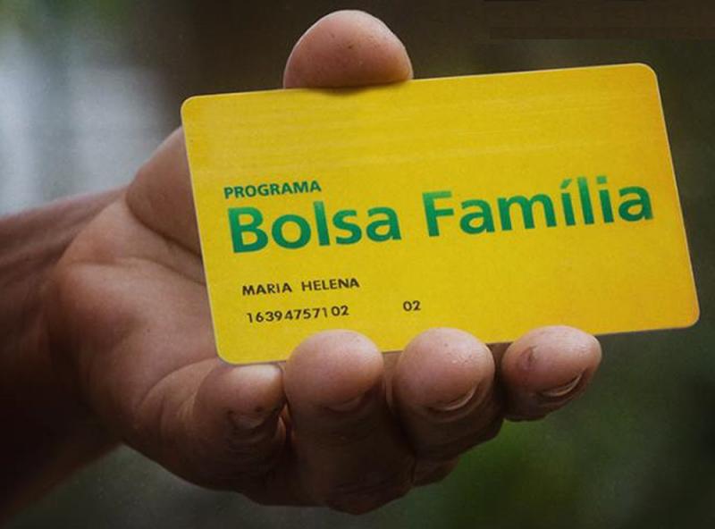 Com suspensão de 15 Bolsas Família, Ministério aponta economia de R$ 27 mil na Paraíba