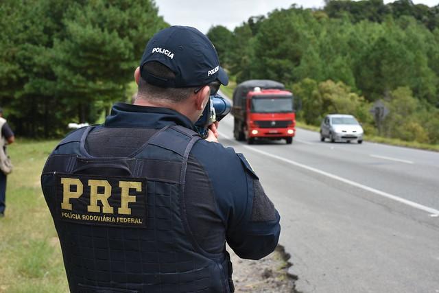 Bolsonaro suspende uso de radares móveis em rodovias federais; Equipamentos são recolhidos na PB