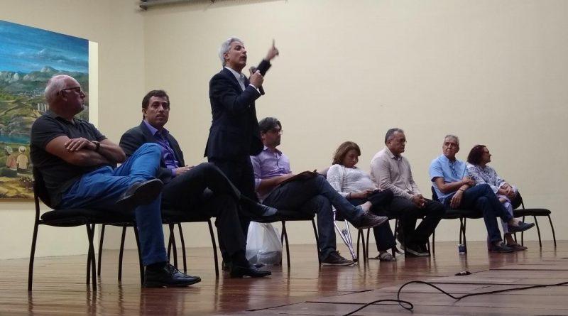 """Molon participa de debate com Gervásio e afirma que UFPB e IFPB têm """"excelência"""""""