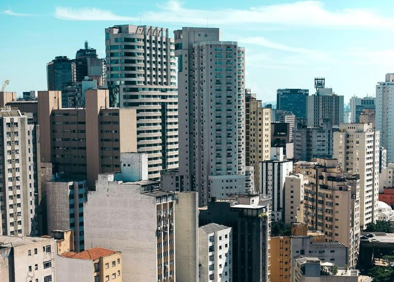 Condomínios não podem proibir uso de áreas comuns por inadimplentes