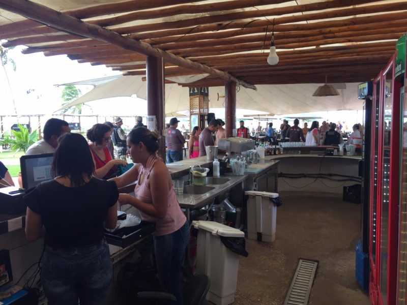 Gerentes do Lovina e Praiano são presos em operação que fiscalizou 9 restaurantes