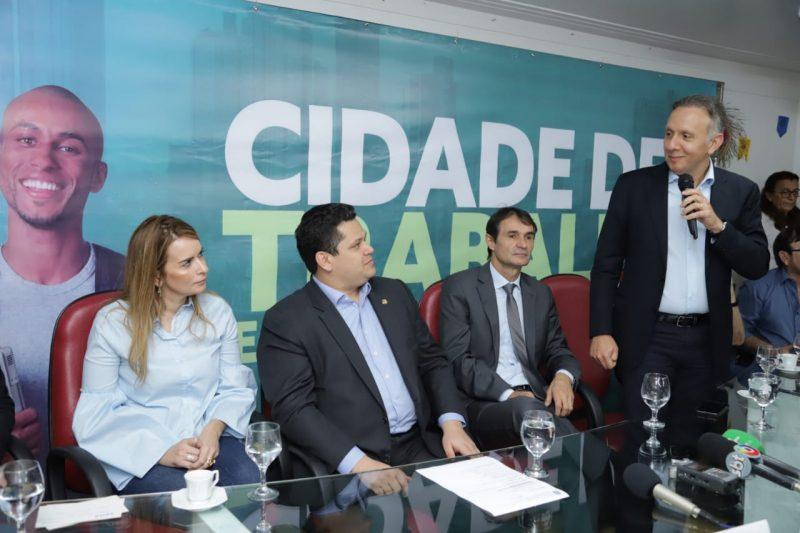 Presidentes do Senado e da Caixa são recepcionados pela família Ribeiro em Campina