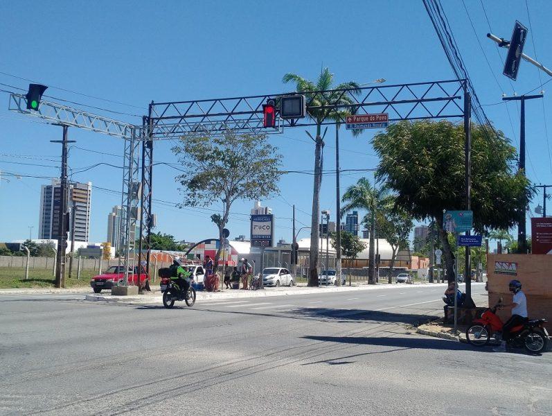 Campina Grande instala semáforo inteligente em fase de testes na Avenida Brasília